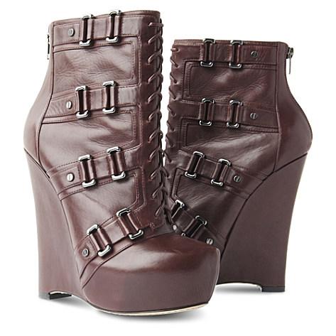 Exclusive Cece 140 platform boots